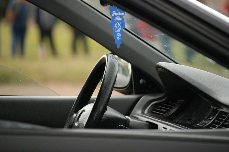 Jak obniżyć ubezpieczenie dla młodego kierowcy?